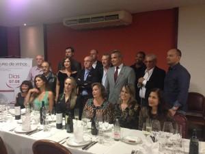 Participantes do evento em jantar de encerramento no Dom Francisco