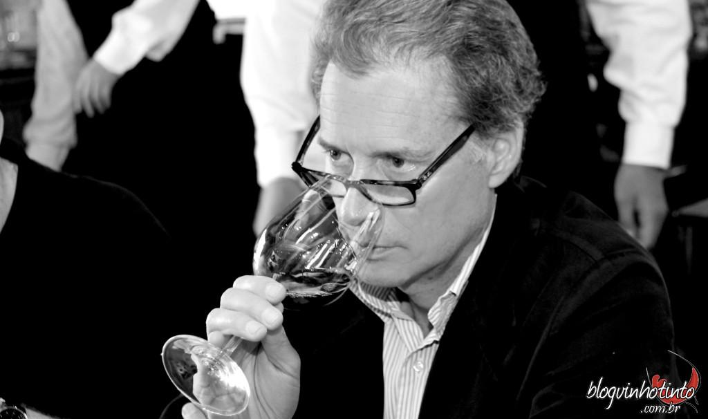 Alberto Antonini - Técnicas modernas e sem perder a tradição vitivinícola para desenvolver vinhos de alta qualidade.