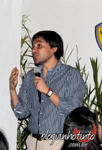 O diretor de exportação da De Martino, Cristian Castro conduziu a degustação