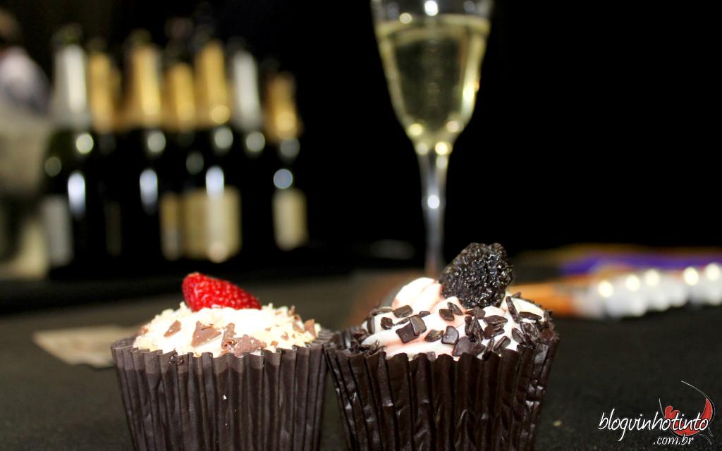 Cupcake de champanhe e Cupcake de vinho da Dociká - difícil saber qual gostei mais