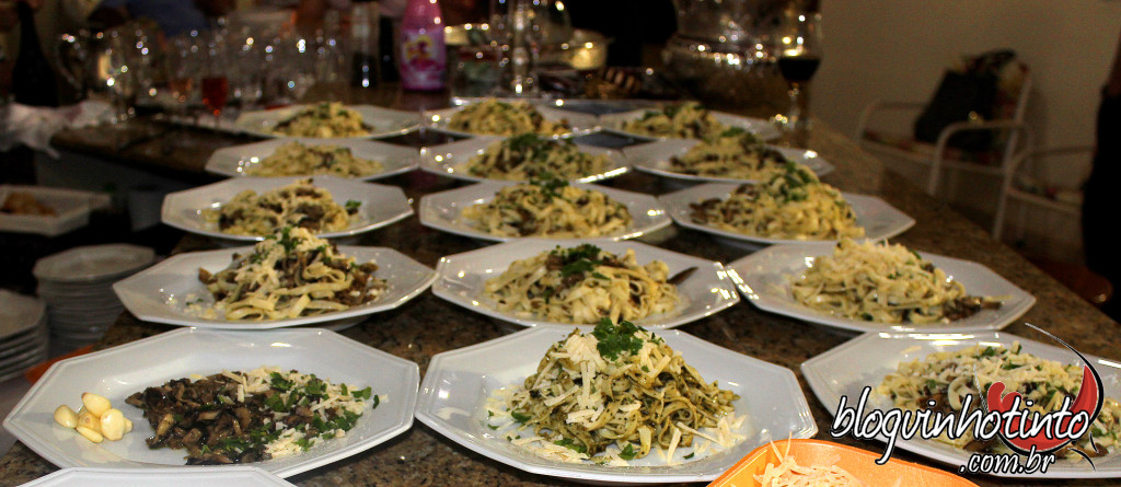 Tagliatelle com trio de cogumelos frescos e grana padano: prato principal.