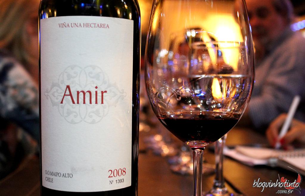 Amir 2009 - Complexo, com acidez marcante e um misto de frutas vermelhas e negras. A produção desse vinho é de apenas 4mil garrafas.