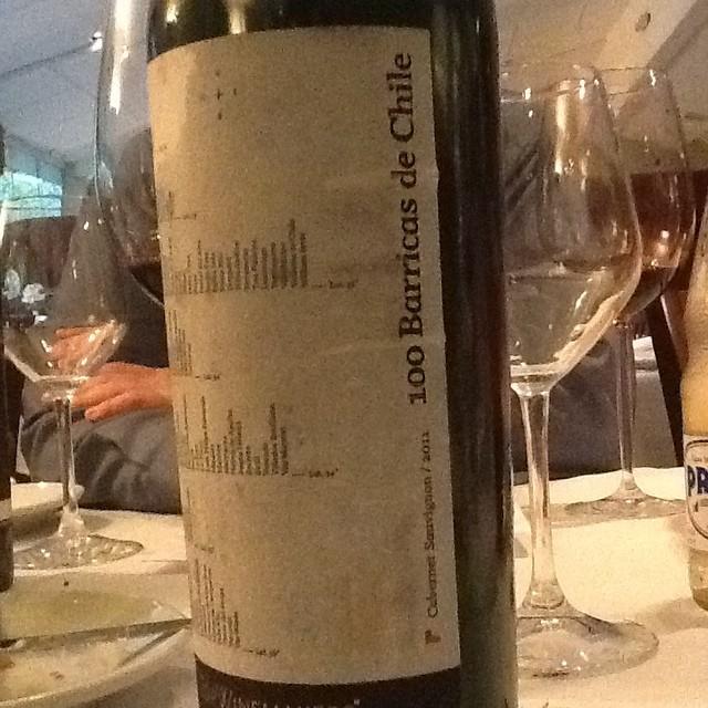 100 barricas Chile - a cooperação de 100 vinícolas chilena fizeram possível a produção deste vinho