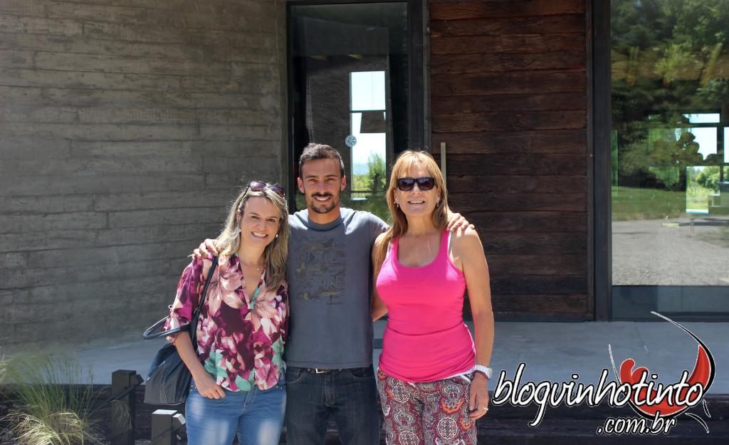 Ezequiel Fardel, proprietário da La Azul, e sua mãe Shirley Hinojosa, administradora da Casa de Hóspedes - recepção muito afetuosa