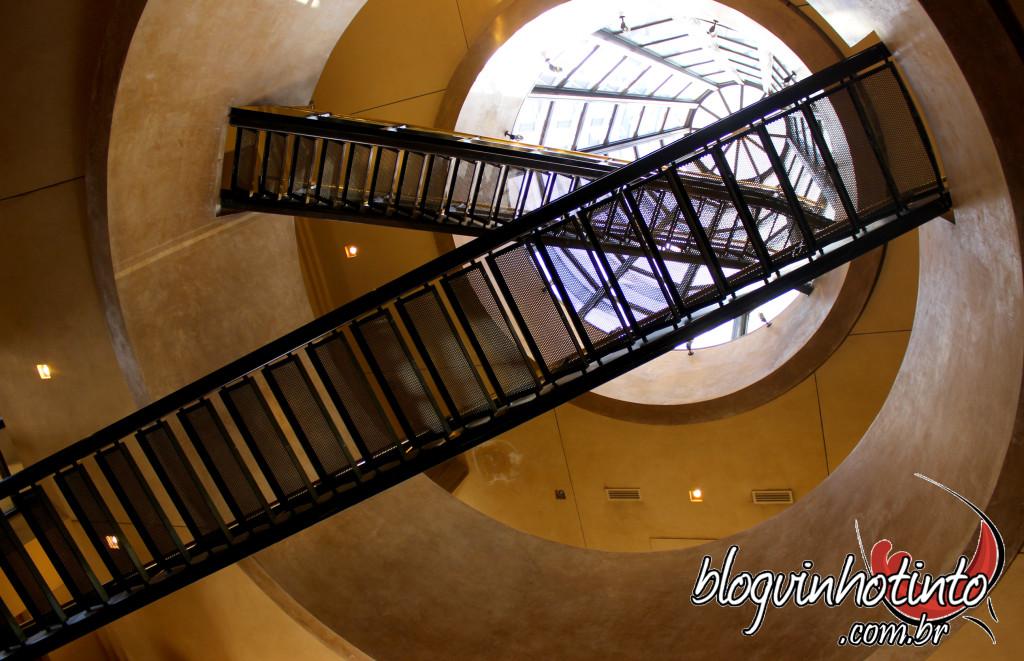 Escadas que levam ao topo da pirâmide. Infelizmente, minha guia não me levou para ver o terraço