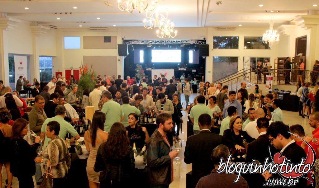Mais de 900 pessoas prestigiaram o Wine Friday em Brasília