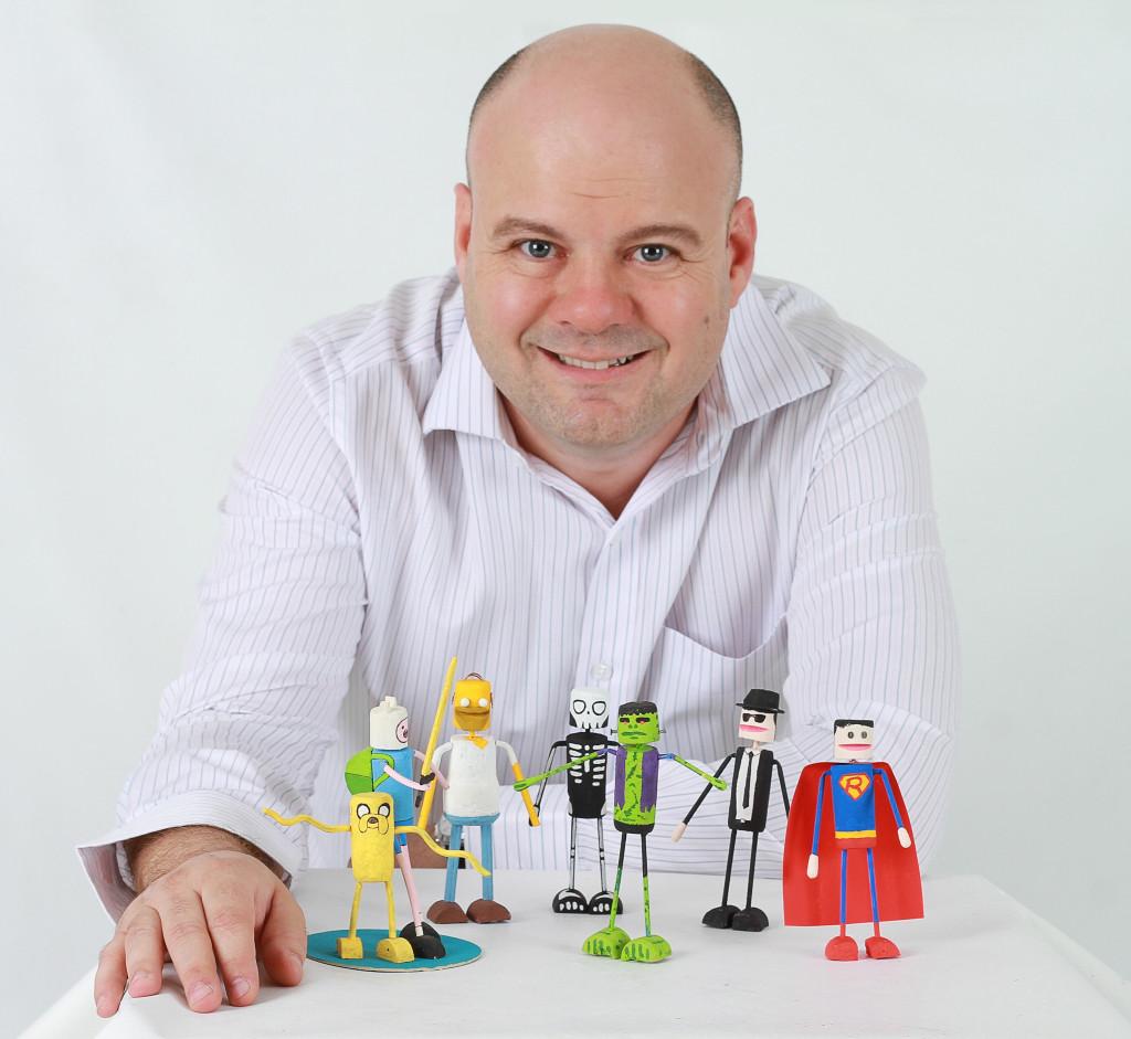 Criatividade e sustentabilidade: projeto do designer brasileiro Paulo Grohman  transforma rolha em bonecos