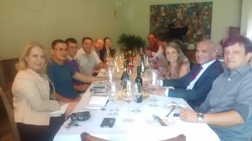 A Confraria Franciscana (formada por sommeliers dos restaurantes Dom Francisco, empresários, enófilos e blogueiros) se reuniu em fevereiro para experimentar vinhos da Nova Zelândia.