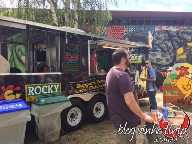Os foodtrucks também participaram do evento com comidas variadas e rápidas.
