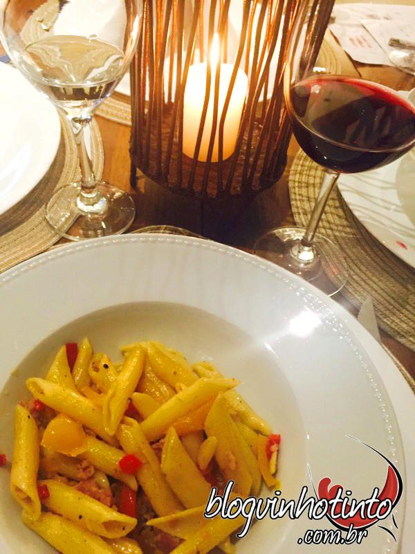 O jantar mesclou pratos da Toscana e da Puglia e vinhos de todas as regiões que serão visitadas