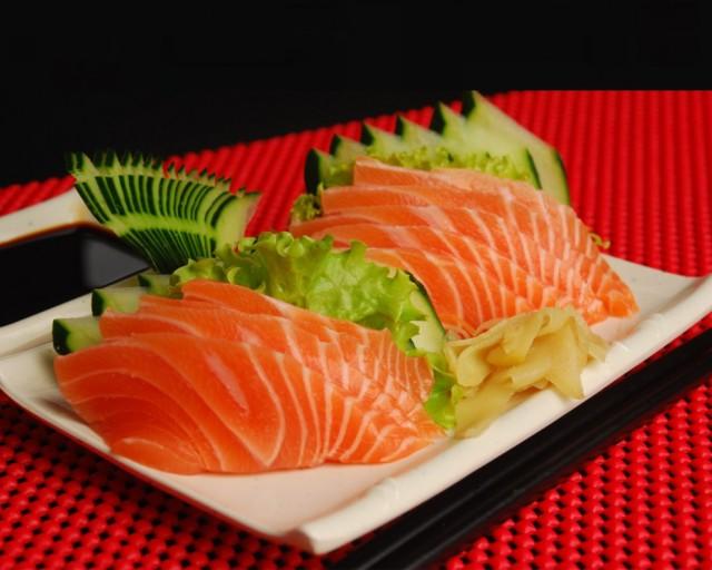 sashimi-salmao-988x790