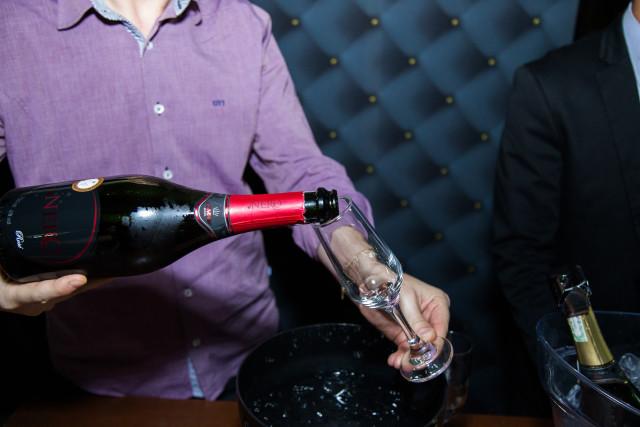 No dia 09.11, a Pires de Sá vai promover degustação de vinhos e espumantes para os noivos. (Thomas BF)