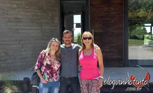 Ezequiel Fardel, proprietário da La Azul, e sua mãe Shirley Hinojosa, administradora da Casa de Hóspedes do local - recepção muito afetuosa