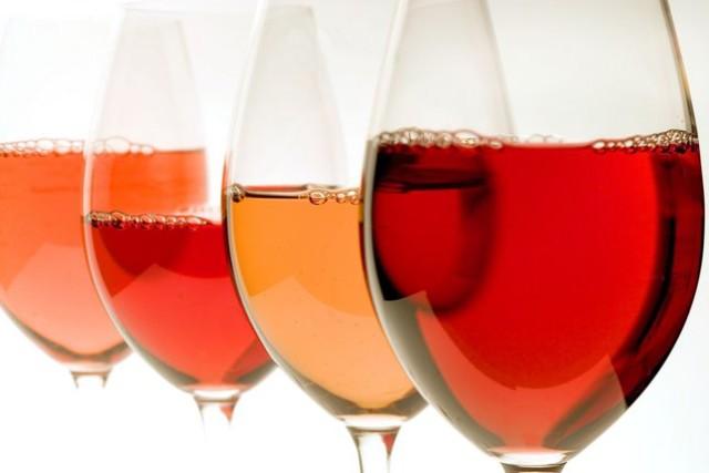 a produção mundial de vinho rosé deverá ter aumentado, o ano passado, em 24,3 milhões de hectolitros