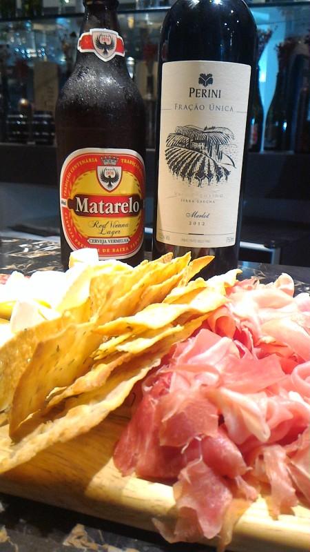 Cerveja, vinho e comidinhas especiais