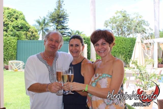 Brinde ao sucesso do evento Paella com Espumante e Vinho Rosé e ao Restaurante a Puertas Cerradas