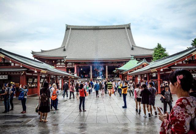 A China é o mercado turístico de mais rápido crescimento da Nova Zelândia. As chegadas de turistas do país aumentaram 27% no período de um ano. Por outro lado, o país mais populoso do mundo respondeu por apenas 1,8% das exportações de vinho da Nova Zelândia em valor, contra uma participação de 30% dos EUA.