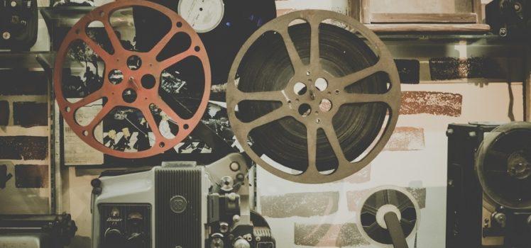 """O primeiro filme apresentado será o clássico """"Jardim Secreto"""", que mostra as aventuras e sonhos de três crianças numa antiga mansão inglesa."""