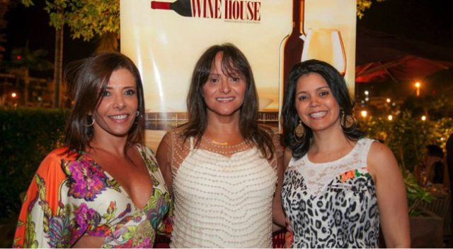 Simone Coutinho, Cláudia Silva e Beta Doelinger, algumas das organizadores do Brasília Wine House Especial de Natal.
