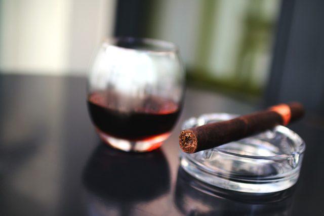 cigar-925825_960_720
