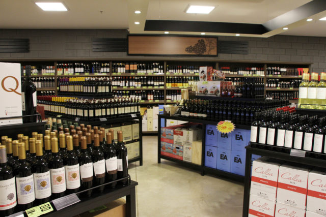 nova loja oferece mais de 1.000 rótulos, entre vinhos tintos, brancos, rosés, espumantes, champagnes e proseccos