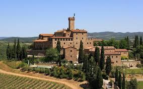 Castelo Banfi: uma das vinícolas mais importantes da Toscana