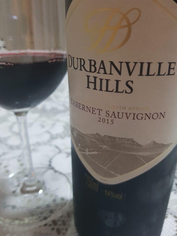 Durbanville Hills Cabernet Sauvignon: Apresenta notas de frutas escuras e também de cereja, madeira e uma nota exótica e intensa de azeitona preta