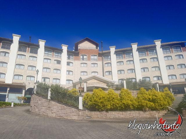 Hotel Spa do Vinho, localizado no coração do Vale dos Vinhedos, em frente à vinícola Miolo