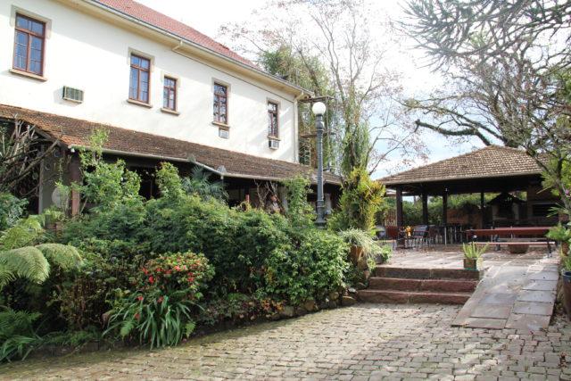 Vinícola, pousada e restaurante num único lugar