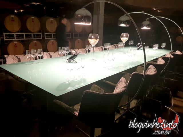 Cave da Vinícola Luiz Argenta: Tom Jobim para os vinhos repousarem nas barricas