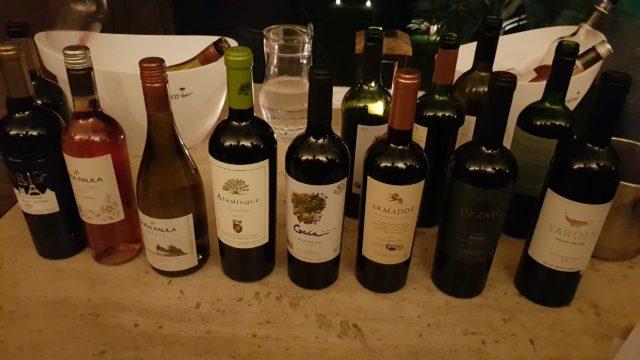 Alguns rótulos da World Wine servidos no Avant-Premiére, que estarão nos dias do evento. Destaque para o vinho israelense Yarden.