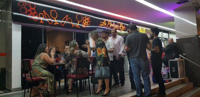 O Wine Bar tem capacidade de acomodar 50 pessoas
