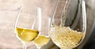 Com a levedura do saquê que fermentou entre5°C e 7°C, foi gerado um vinho com muito volume de boca e aromas bem concentrados