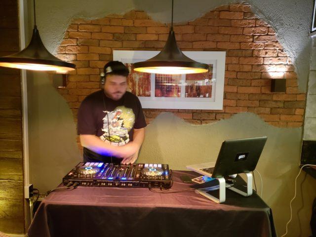 DJ às quartas e Dose Dupla