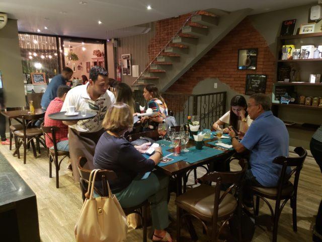 Rapport Café e Bistrô - ambiente agradável e aconchegante