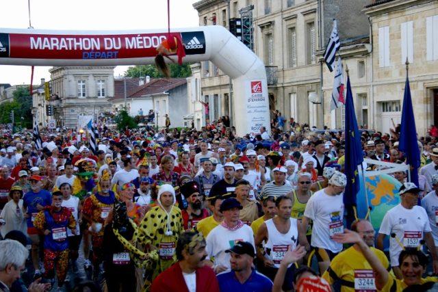 """otema deste ano será """"super heróis"""" e os corredores deverão participar do evento devidamente caracterizados."""