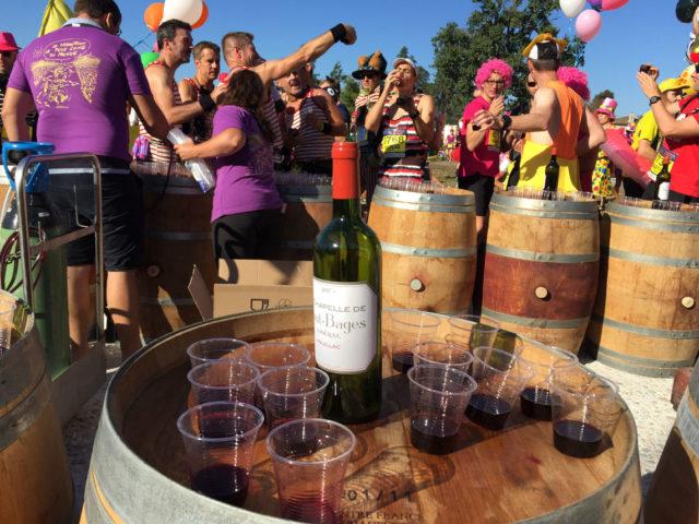 Vinho, queijo e muita diversão na Maratona des Chateau du Medoc