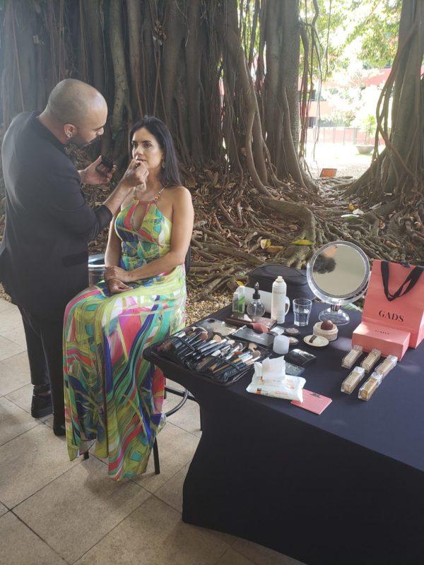 Vivi do instagram @ilovewines durante sessão de maquiagem oferecida pela Gadys