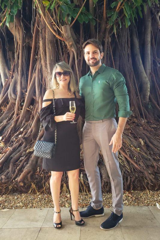 Eu, Etiene Carvalho, e César Santos, idealizador e organizador do evento Sparkling Wine Fair.