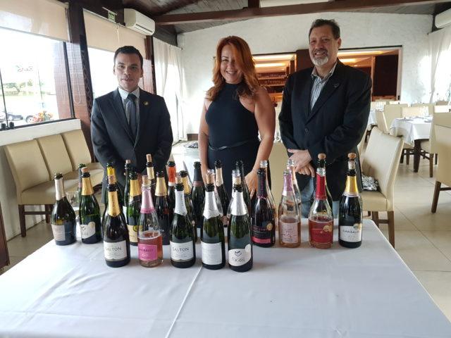 Tiago Pereira, presidente do Prêmio Brinda Brasil 2019 e os organizadores do evento, Emilia Carvalho e Rodrigo Leitão