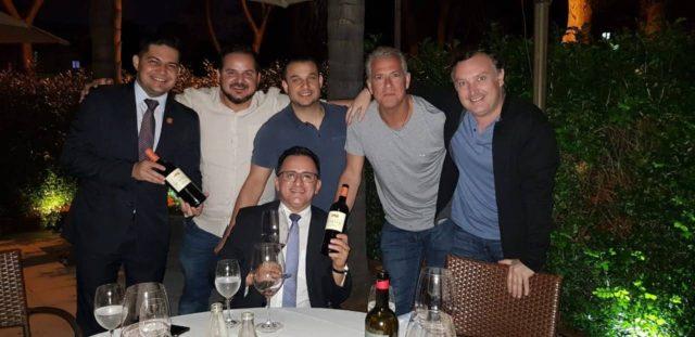 Cintra e os amigos do mundo do vinho em Brasília