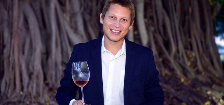 Sommelier Rafael Sá oferece curso de vinho