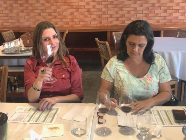 Bianca Dumas (Blog Vinho Tinto) e Adriana Nasser (De Rolha em Rolha)