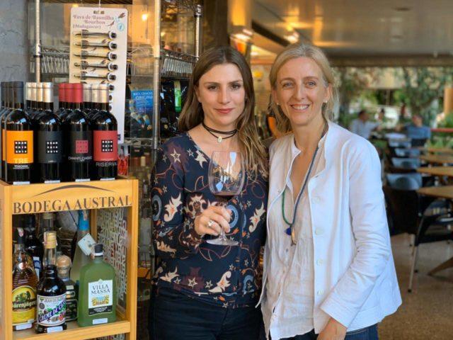 Bianca Dumas (Blog Vinho Tinto) e Lucia Borri (representante da Brancaia)