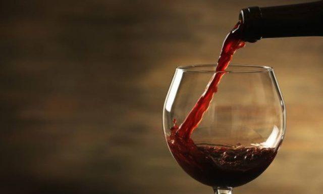 Você sabe o quanto o vinho pode interferir na sua dieta?