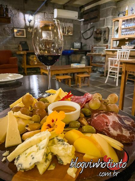 Tábua de frios e queijos especiais de entrada