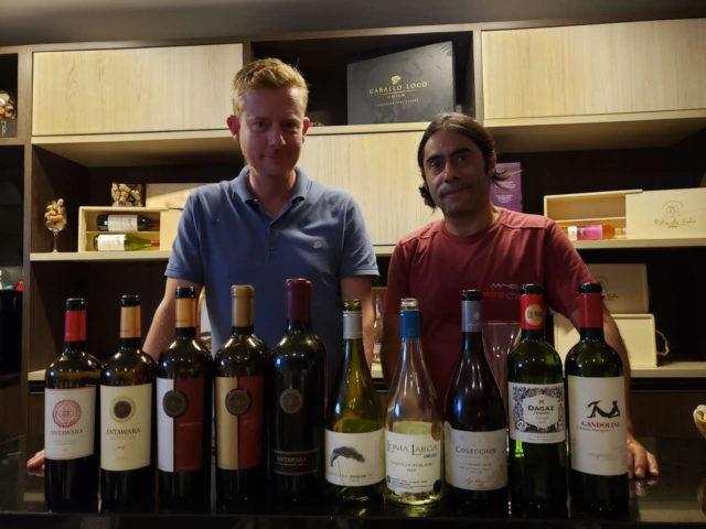 Jaime Muñoz (Proprietário Antawara) e Alex Ordenas (Wine Chef)