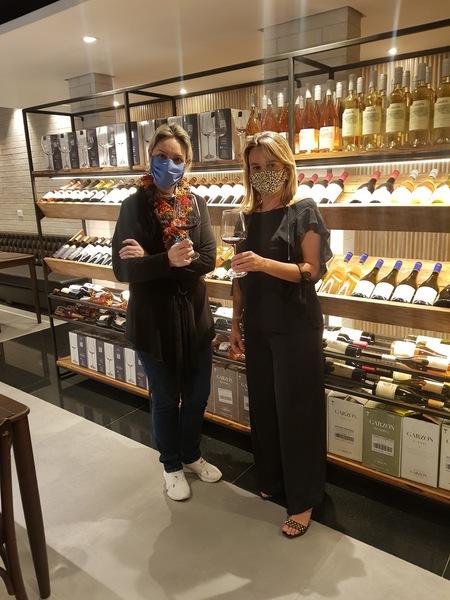 Chef Ticiana Werner (à esq.) e Etiene Carvalho (à dir.)