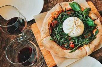 Pizza e Vinho: combinação perfeita