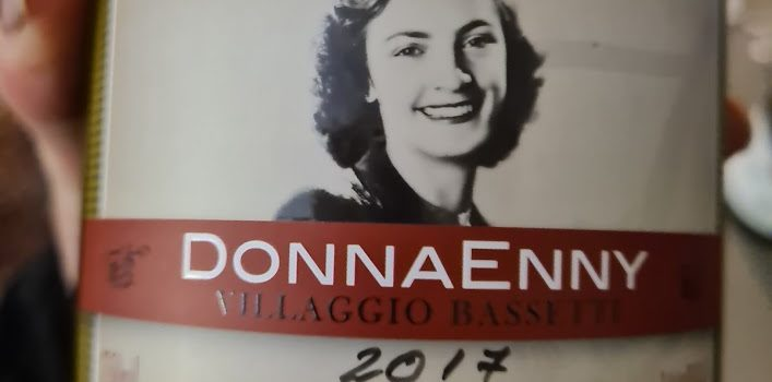 Dona Enny - Feito pela Villagio Basset em homenagem à matriarca da família